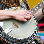 Hvordan øve for å bli en god banjospiller?